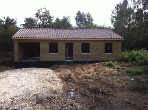 Pose couverture chantier maison bois La Chapelle Gonaguet